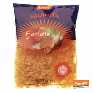 Pâtes italiennes Farfalle, fabrication artisanale de la coopérative Salamita